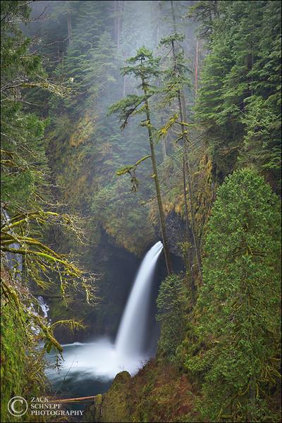 """<font color=""""#FFFFFF"""" size=""""4"""" face=""""Verdana, Arial, Helvetica, sans-serif"""">Metlako Falls</font><br> Columbia River Gorge, Oregon"""