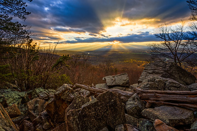 God rays at Bears Den