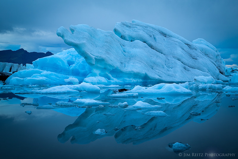 Icebergs on the Jökulsárlón glacier lagoon, eastern Iceland.