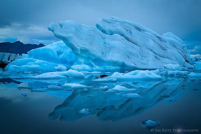 Icebergs on the Jökulsárlón glacier lagoon, eastern Iceland.