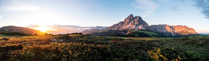 Dolomite panorama, Peitlerkofel, Würzjoch, Dolomites, Südtirol Italy 2018