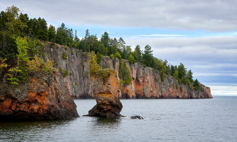 Cliffs of the North Shore