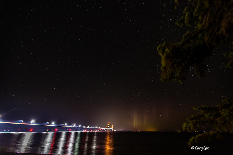 Mackinaw Bridge with low Northern Lights activity 9-29-16