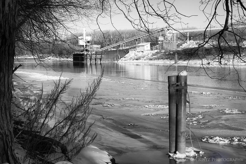 Black & white winter scenes from along the Minnesota River near Bloomington.