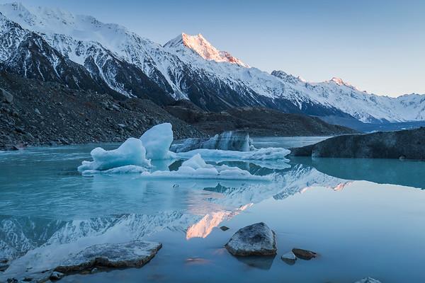 Tasman Glacier Lake - Aoraki Mt Cook National Park