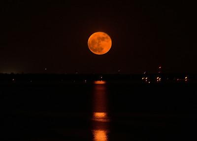 TAC_7290 Super Moon