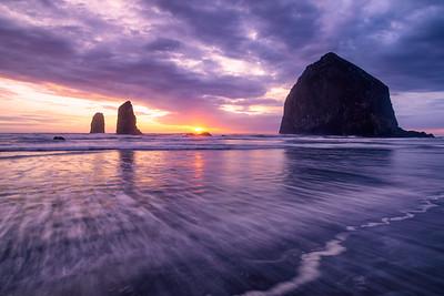 Cannon Beach sunset - Haystack Rock & Needles