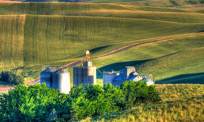 PBP_3081_grain_storage_endicott_road_july_09_2013_v2