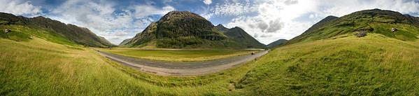 03.08.2011, Schottland, UK., West Highlands, Ben Nevis-Gebirgsregion. Die Strasse A82 von Fort William Richtung Sueden fuehrt westlich des Ortes Ballachulish durch spektakulaere Gebirgstaeler. 360-Grad-Panorama.