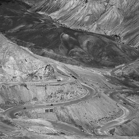 CF002169Himalaya Winding roads