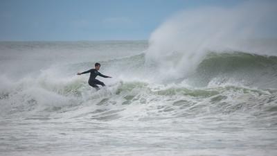 Surfers-47