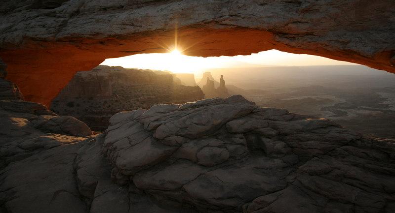 Mesa Arch April 24 2006 At Dawn