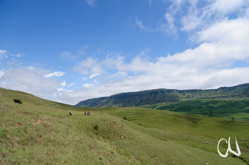 hiking, hikers, grassland, Wanderer, Kamberg Nature Reserve, Drakensberge, Drakensberg Mountains, Südafrika, South Africa
