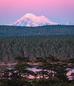 Twilight alpenglow on Mount Baker