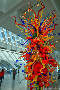 Milwaukee Art Museum - Chihuly glass sculpture