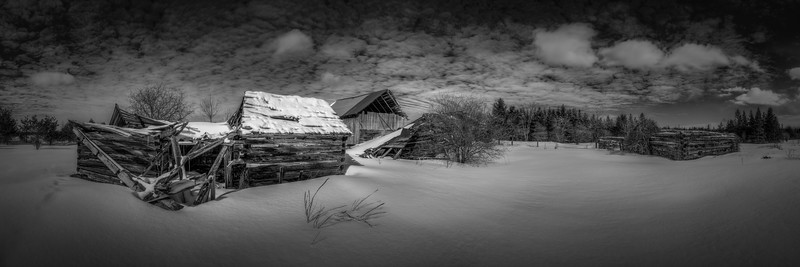 The Old Farmhouse, B&W Panoramic