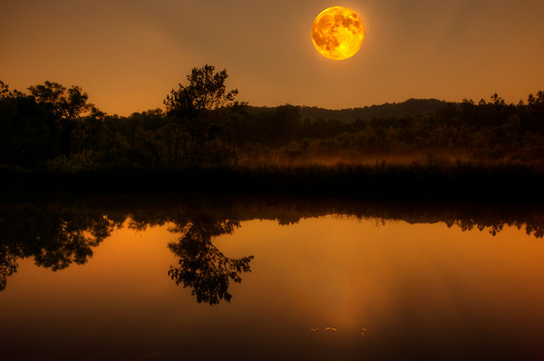 Super Moon rises over Beaver Marsh