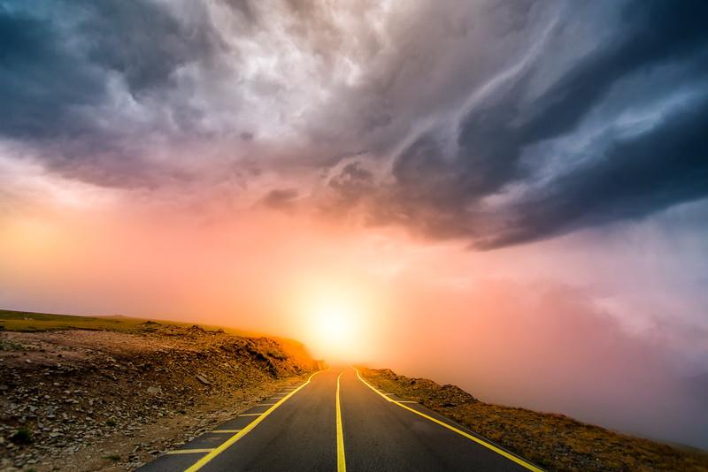Rasarit de soare pe Transalpina, foto de David Ovidiu, fotograf Timisoara