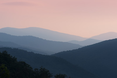 Range of mountains at sunrise ! (Skyline Dr., VA)
