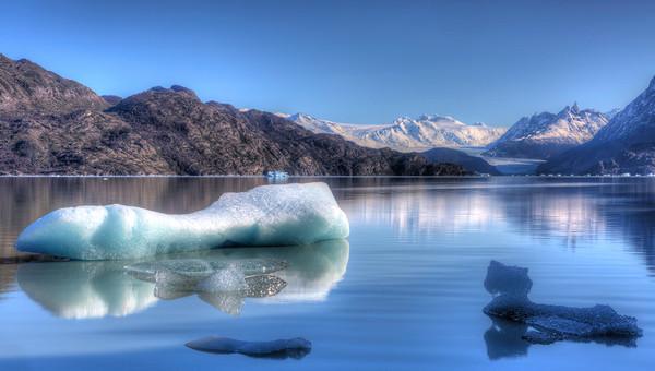 Lago y Glacier Grey