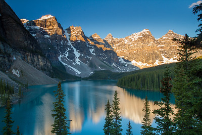Moraine Lake - Banff National Park  Sunrise