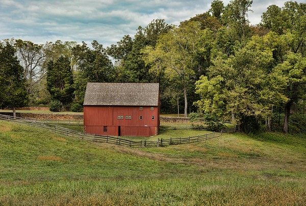 Red Barn in Northern Neck, Virginia