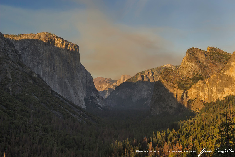 The very famous Tunnel View at Yosemite National Park during sunset.