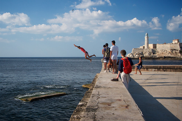 Divers on the Malecon