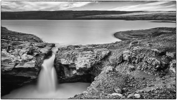 Lake Hagavatn (B&W)