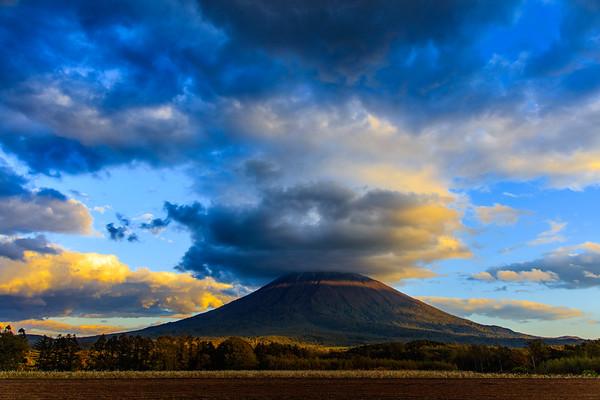 Lenticular Clouds, Mt.Yotei