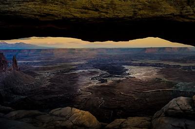 Mesa Arch - Canyon Land