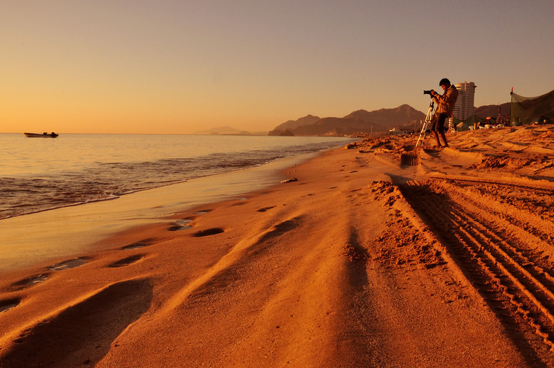 This was shot early morning around 6am in Fujairah Beach.