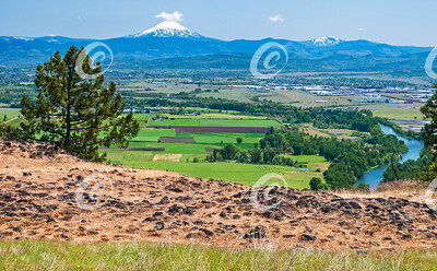 Mt McLoughlin from the Table Rocks