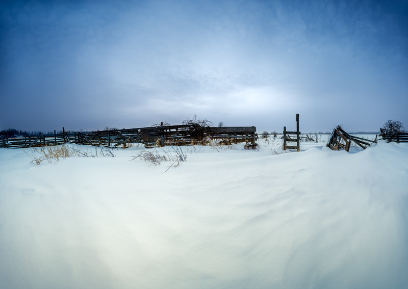 Cattle Corral at Blue Hour in -30 ... Brrrr