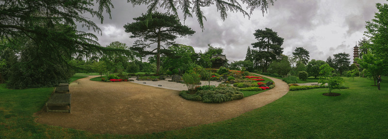 Japanese Gateway, Kew Gardens, United Kingdom  7-photo panorama
