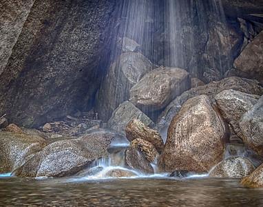 Kings Canyon Waterfall and Grotto