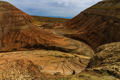 Wandering in the Aktau mountains