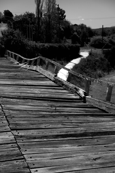 Prince Alfred Bridge, Gundagai (the state of disrepair is clear to see. One wouldn't want to drive across nowadays)