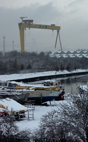 Samson in Snow, Belfast (This picture has been very popular with people from Belfast. As I've mentioned elsewhere, some comment that they would prefer to see both cranes, but on this occasion it was only viable to have one)