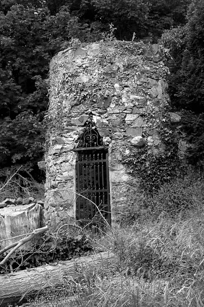 Disused Well, Enniskeen Hotel Grounds, Newcastle, Co. Down