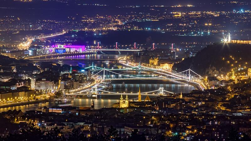 Budapest a Hármashatár-hegyről