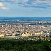 Budapest panoráma nappal a Hármashatár-hegyről