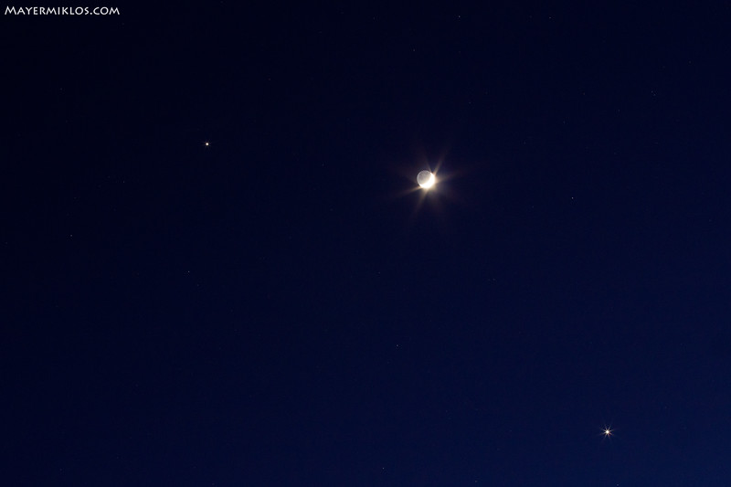 Conjunction of Jupiter, Venus and Moon on the evening of 26th February 2012.  A Jupiter, Vénusz és a Hold együttállása 2012 február 26-n az esti órákban.