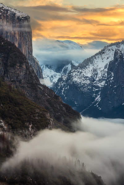 Half dome covered in Fog, Yosemite National Park