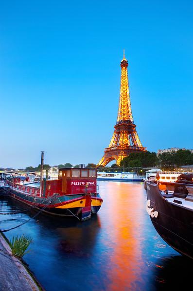 Eiffel tower at twilight, Paris, France
