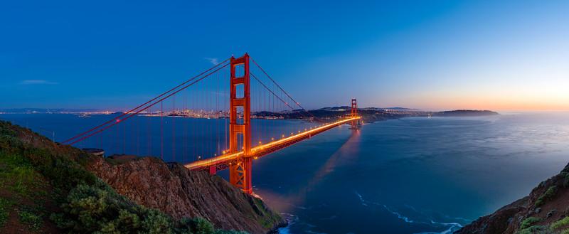 Golden Gate Bridge, San Francisco at sunset.