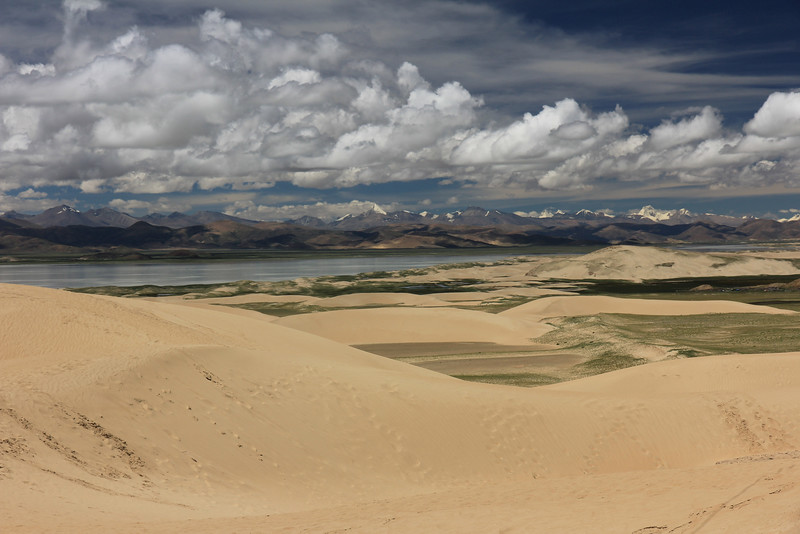 """Spectacular desert landscape in Tibet"" (photography) by Thomas Henriksson"