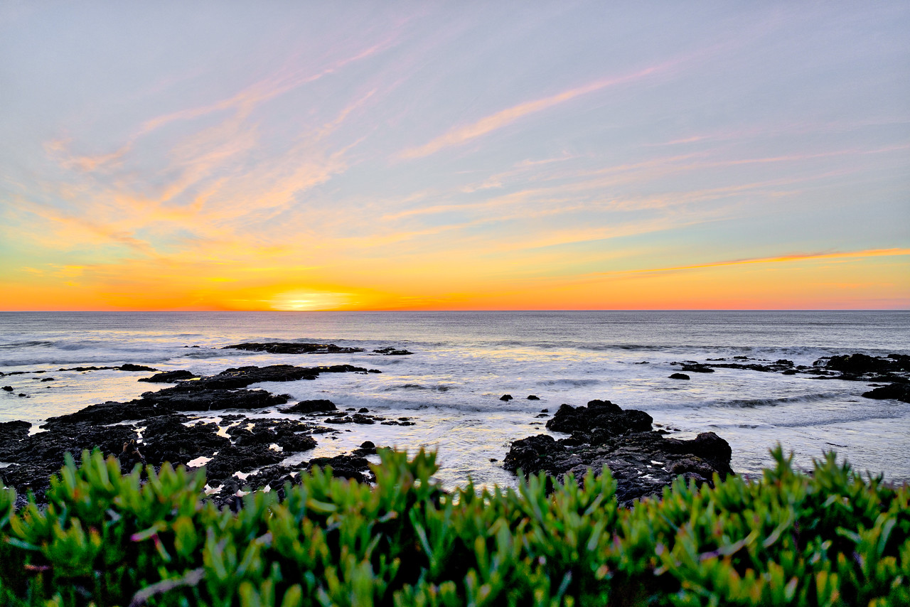 watching the waves..  #california #batis25mm #monterey
