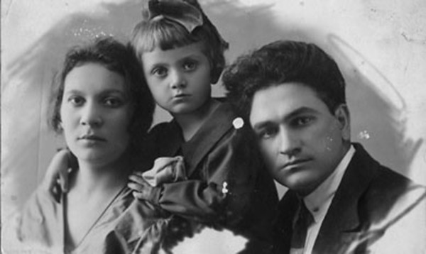 Moishe's Brother Motke and His Family