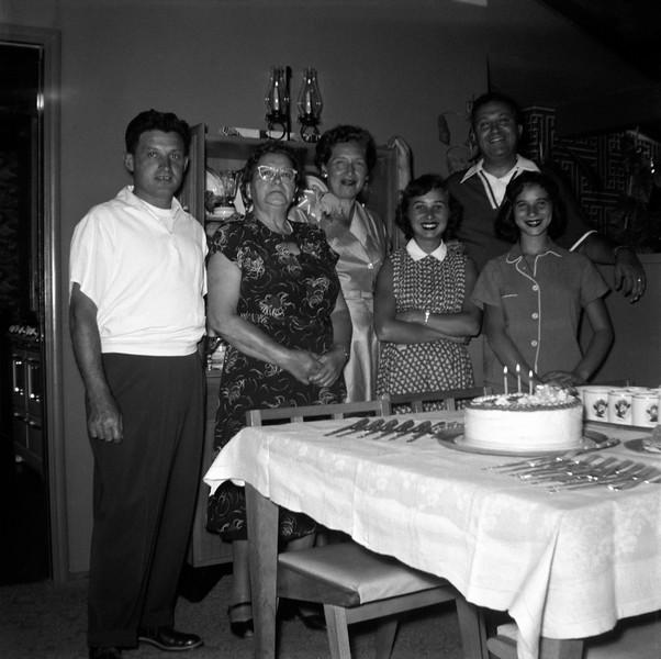 Left to Right: Ben Berke, Rebecca Brudney, guest, Nedda Katzburg, Ben & Linda Brudney